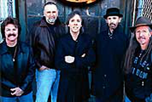The Doobie Brothers will record a new album with former singer Michael McDonald and some country stars