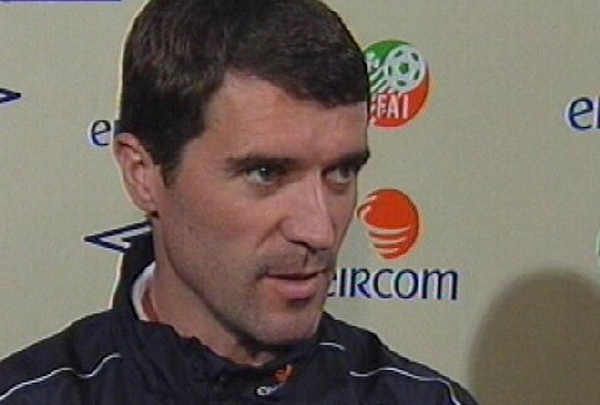 Roy Keane may continue playing past his planned retirement in 2006