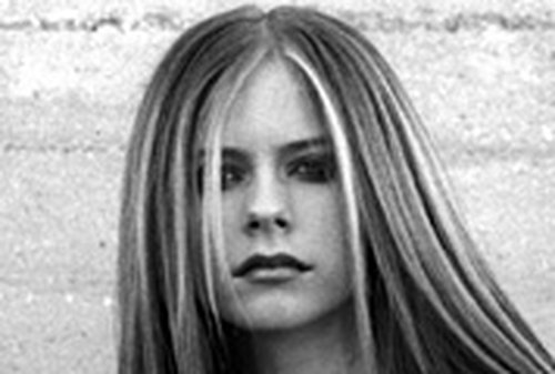 Lavigne is to sing SpongeBob theme