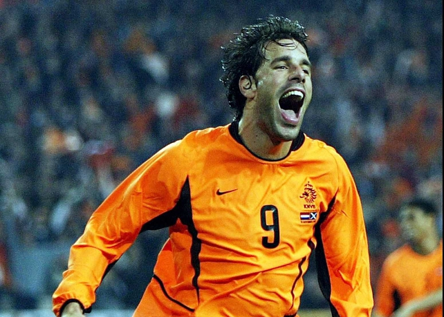 Ruud van Nistelrooy has been omitted from the Netherlands squad to face ireland next week