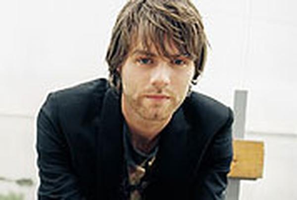McFadden - To launch album at HMV