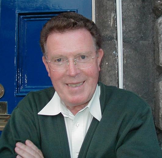 Liam Mac Con Iomaire, múinteoir, iriseoir, scríbhneoir, as Doire an Fhéich ó dhúchas & Mícheál Ó Conghaile, bunaitheoir Chló Iar Chonnacht.