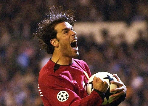 Ruud van Nistelrooy bagged a brace in today's FA Cup semi-final