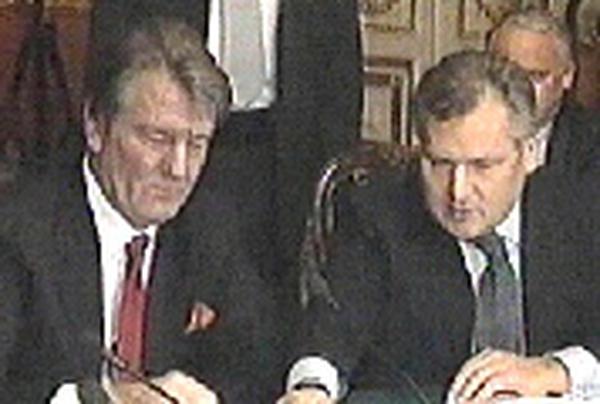 Yushchenko & Yanukovych - Coalition prospect opens up