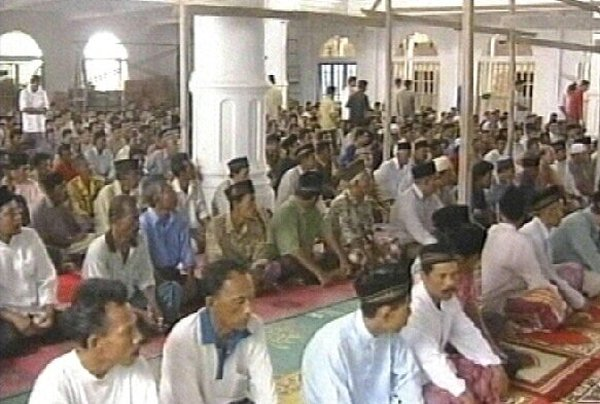 Aceh, Indonesia - Prayers in badly hit region