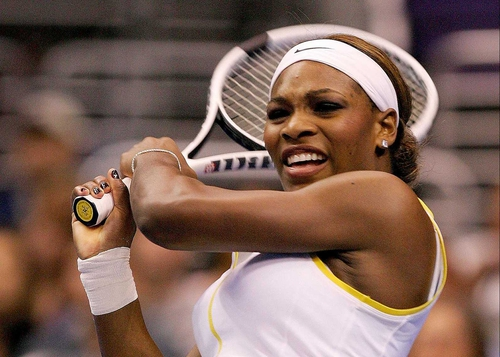 Serena Williams powered her way past Shahar Peer in Melbourne today