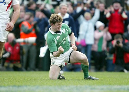Brian O'Driscoll celebrates after scoring what ultimately proved to be Ireland's winning try