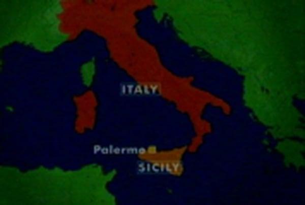 Italy - 14 people die in crash
