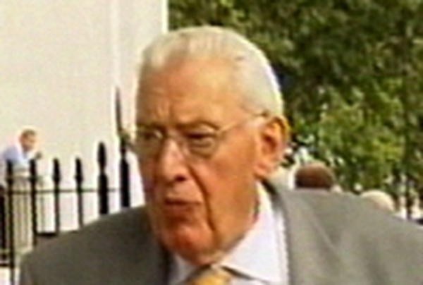 Ian Paisley               Says scepticism is justified
