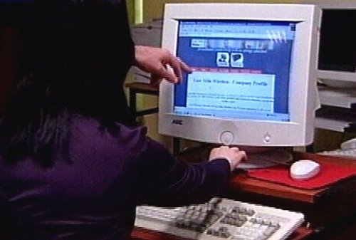 Computers - Student attitudes towards computers examined