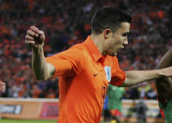 Robbie van Persie scored a free kick against the Ivory Coast this evening