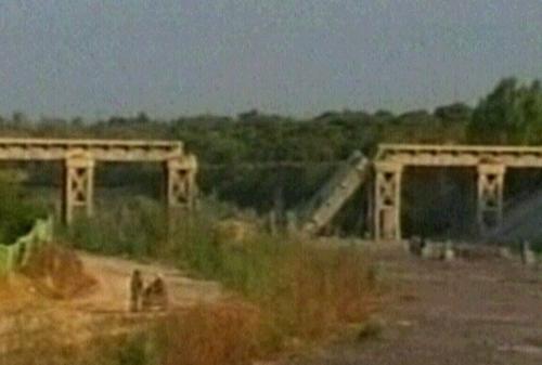 Gaza - Bridges attacked yesterday