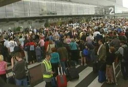 Dublin Airport - 12,000 passengers affected