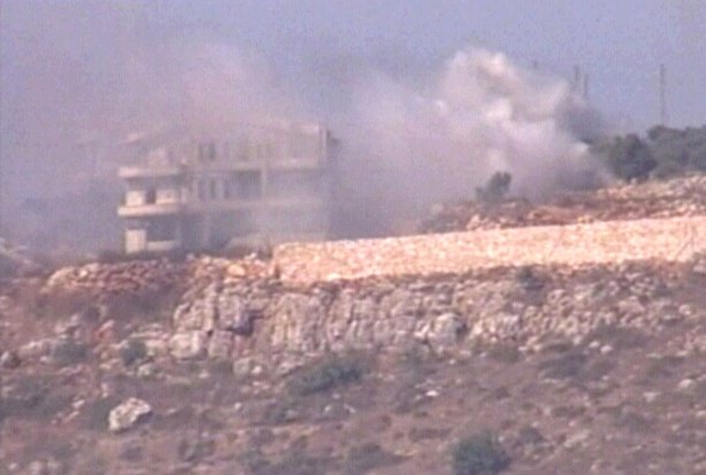 Lebanon - Air raids come despite halt