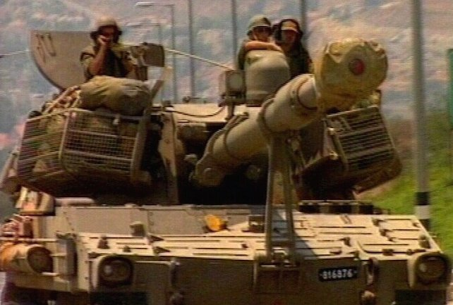 Lebanon - 10,000 troops in offensive