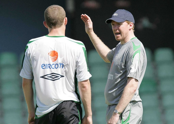 Manager Steve Staunton talks tactics with Richard Dunne