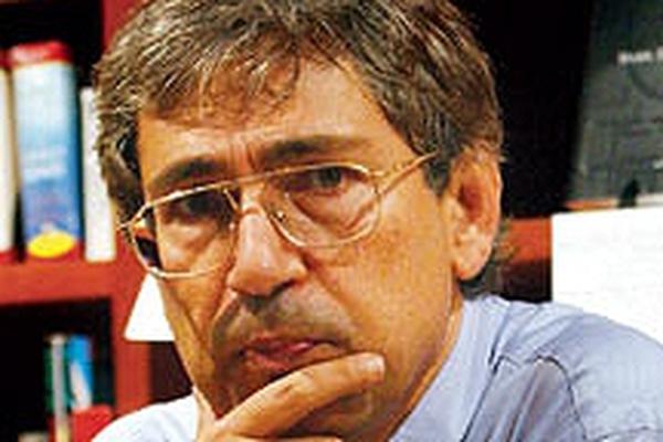 Orhan Pamuk - Nobel literature winner