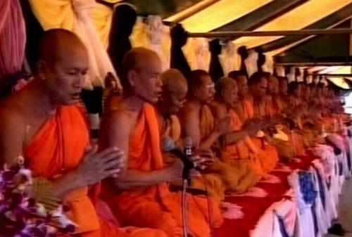 Thailand - Prayers for tsunami dead