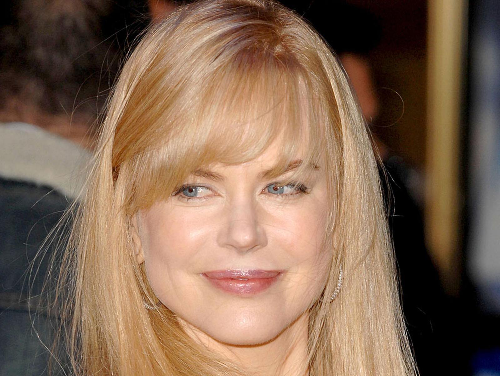 Nicole Kidman piles on the pounds