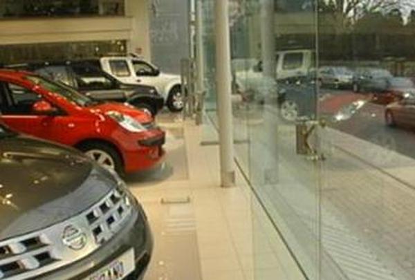 Motor sales - 4.2% February slump