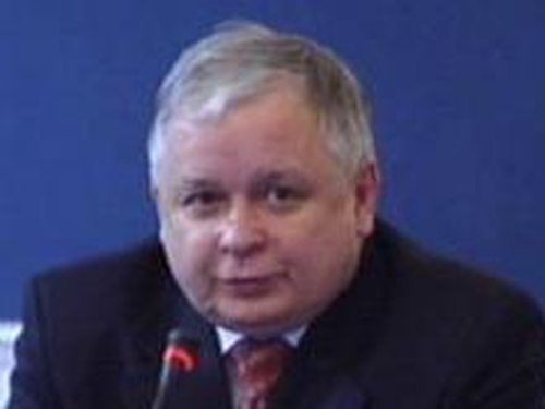 Lech Kaczynski - Will not block Lisbon Treaty if Ireland votes Yes