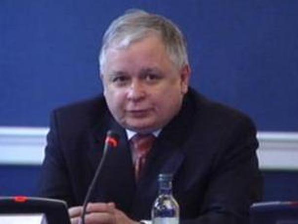 Jaroslaw Kaczynski - Sacks deputy in coalition