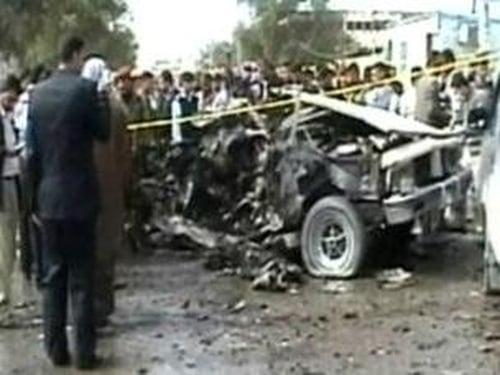 Najaf - 13 killed in bombing
