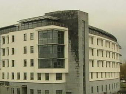 Cork - Row over staffing at new hospital