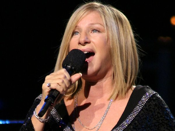 Streisand - Played to 17,000 fans on Saturday