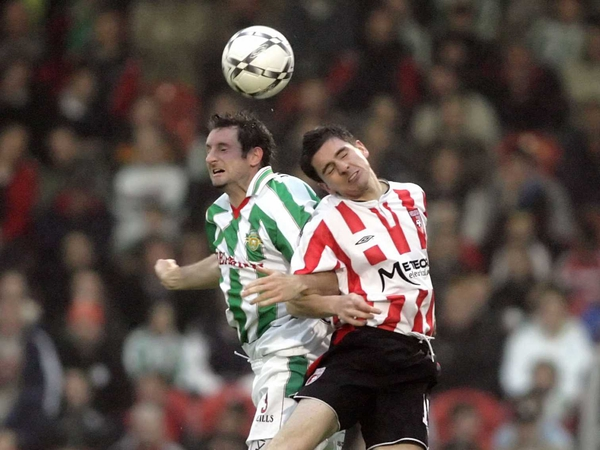 Cork City's Darragh Ryan and Derry City's Gareth McGlynn tussle for the ball at Turner's Cross