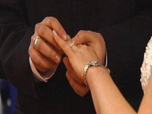 Marriage - Iranian singles threatened with job losses