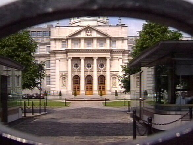 Government Buildings - Talks suspended for the night