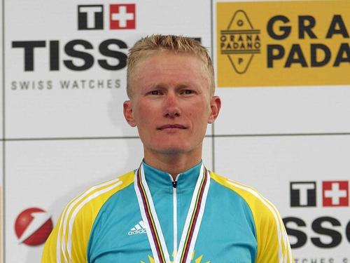 Alexander Vinokourov won Saturday's time trail in the Tour