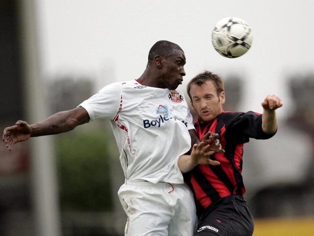 Sunderland's Dickson Etuhu (l) clashes with Stephen O'Donnell (r) of Bohemians