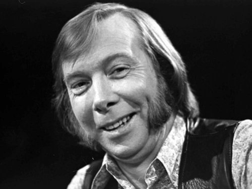 Tommy Makem - Died aged 74