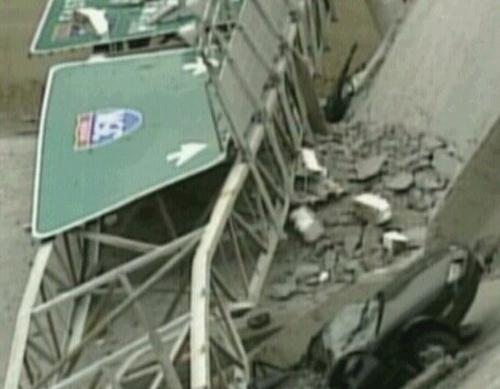 Minneapolis - Bridge over Mississippi River collapsed