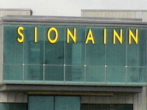 Shannon Airport - Three flights diverted because of air rage