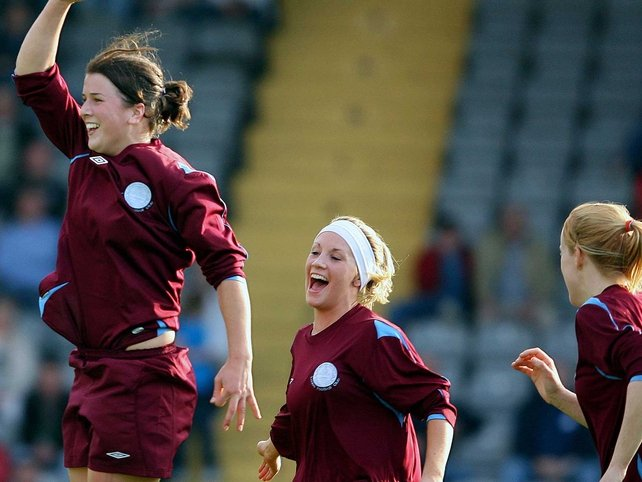 Niamh Fahey celebrates her match-winning goal at Dalymount Park this afternoon