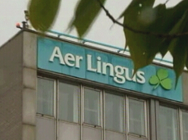 Aer Lingus - Staff angry over senior management pay rises