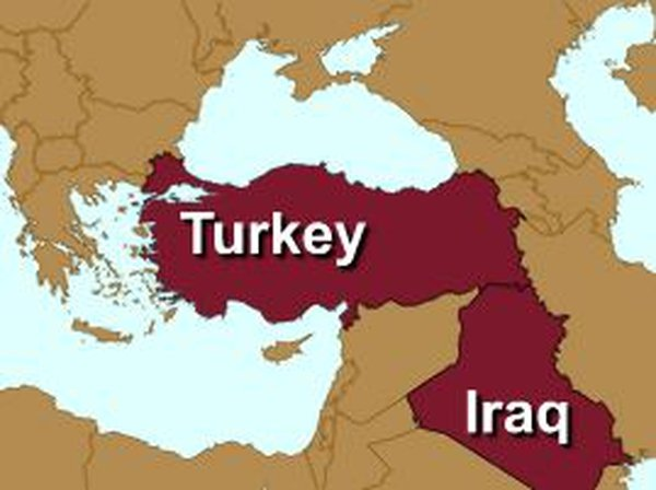Northern Iraq - Turkey pounds rebel positions