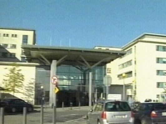 Peadar Ó Cúláin, léiritheoir; Máirín Mhic Lochlainn; Mairéad Farrell & Cathal Ó Conchúir.