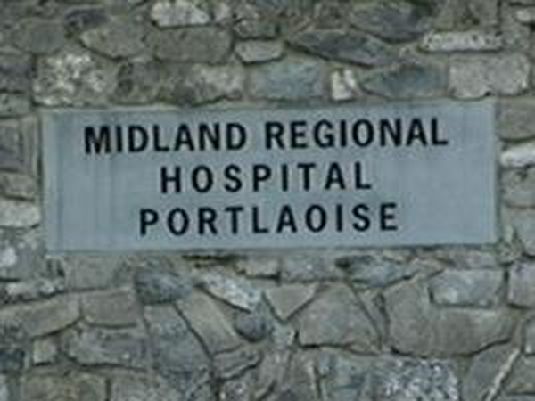 Hospital - HSE has asked consultant to return to work