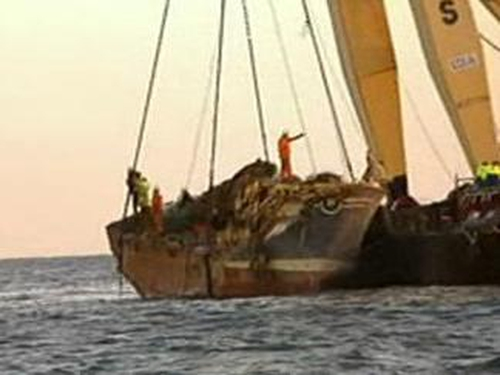 Pere Charles - Wreck is badly damaged