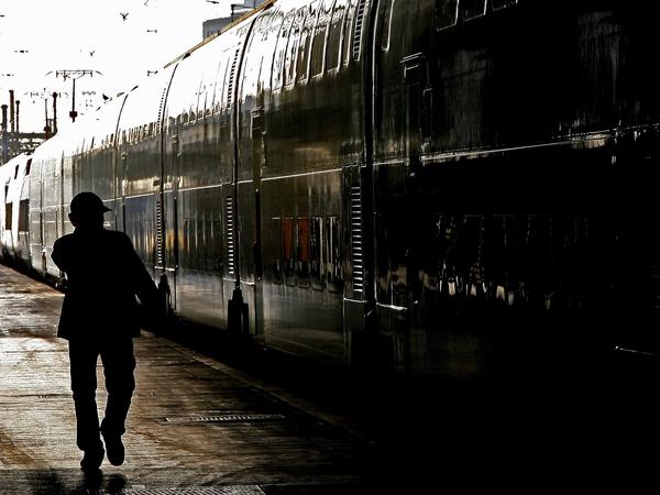 Gare De Lyon - Protest over pension reforms