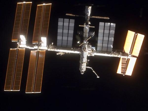 International Space Station - Nitrogen tank installed