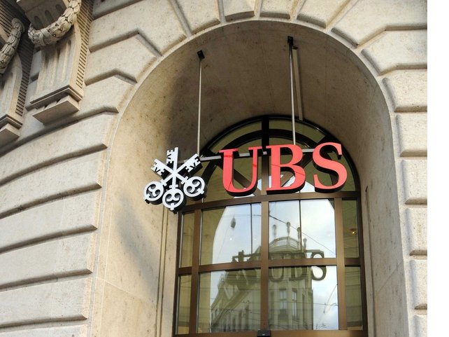 US tax fraud - UBS won't reveal US clients