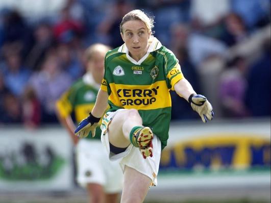 Joanne Ní Churráin Tangney, ó Chnoc a' Bhróigín ó dhúchas.