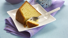 Lemon and Pistachio Yogurt Cake