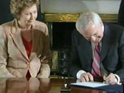 Áras an Uachtaráin - Bertie Ahern tenders resignation