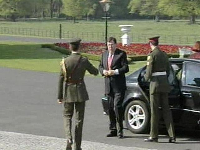 Áras an Uachtaráin - Brian Cowen arrives to meet the President